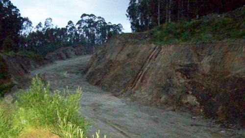O lugar onde as obras da Variante de Marín quedaron interrompidas, no Monte Pituco