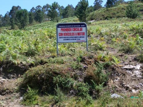 En xuño de 2011 a Comunidade de Montes de San Xulián por fin instalou sinalización específica prohibindo a circulación de vehículos motorizados no Alto do Pornedo.