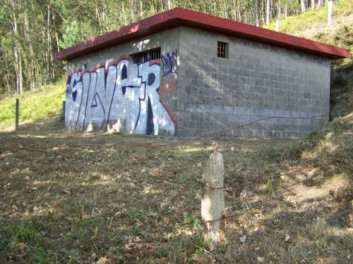 Depósitos do manancial de Fontenla, pertencente aos veciños do Caeiro.