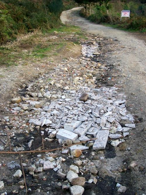 Estado LAMENTABLE da pista forestal do Monte Pituco.