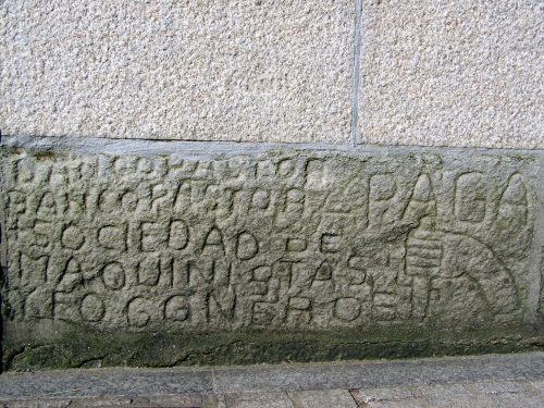A presenza de Pepito Meijón, cos seus característicos petroglifos modernos.