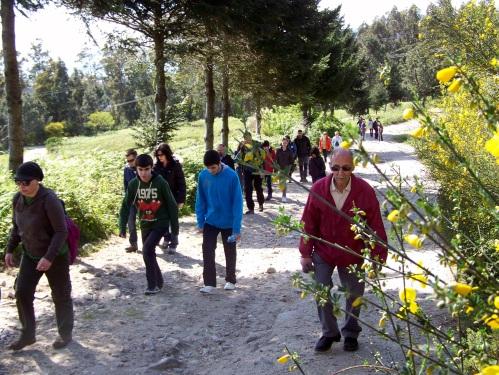 Subindo pola pista forestal do Monte Pornedo.