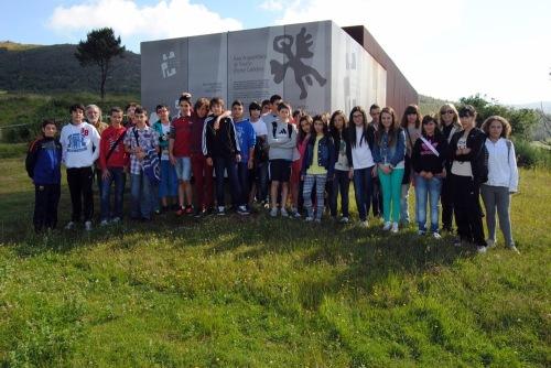 Escolares de Gran Canaria visitaron a Área Arqueolóxica de Tourón, en Ponte Caldelas.