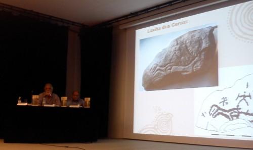 """Antonio de la Peña y Buenaventura Aparicio, na presentación de """"Arte rupestre en Galicia"""" no Museo de Pontevedra."""
