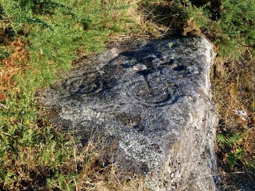 Petroglifo de Piñeiral de Caeiro, no Monte Pituco.