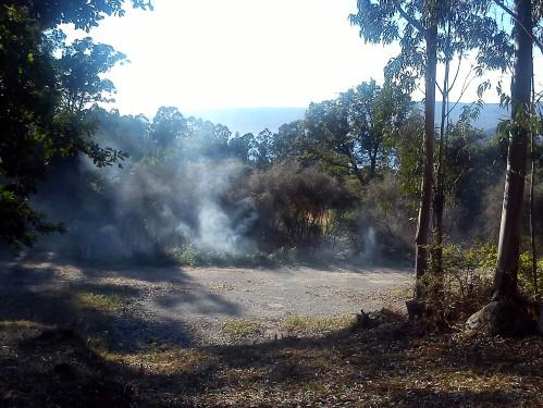 Os restos do incendio, esta tarde, en Lourizán.