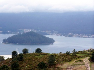 Illa de Tambo vista dende o Monte Pituco.