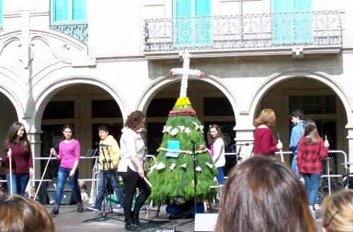 Maio de San Xulián na festa dos Maios celebrada en Pontevedra.