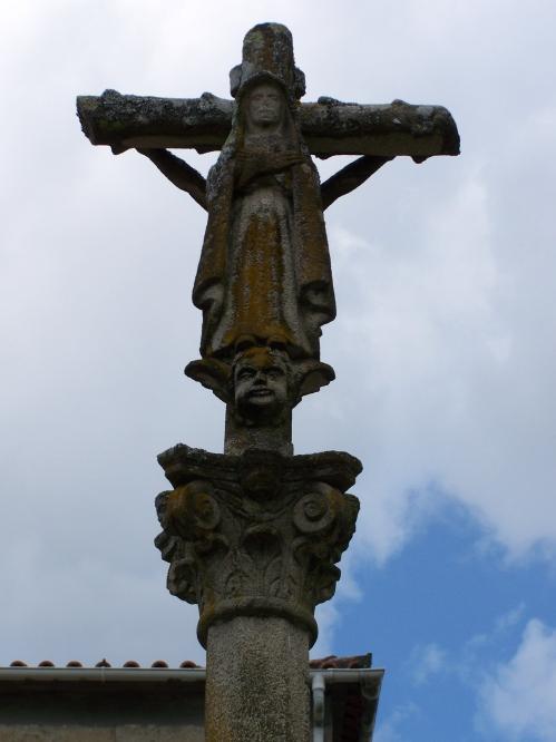 Cruceiro da igrexa de Santa Eulalia, Meira.