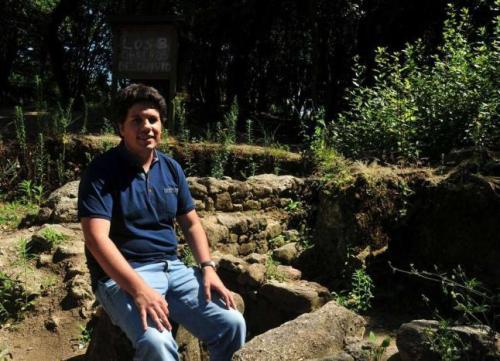 Felix Gonzalez, arqueólogo  (Faro de Vigo).