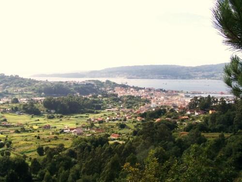 Vista da ría dende Pinal de Caeiro.