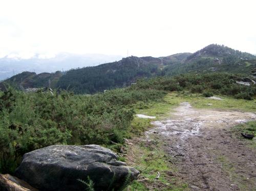 Andaina pola Serra da Fracha contra a A-57.
