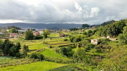 Vista de San Xulián dende a Casa de Montes.