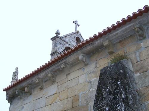 Igrexa de San Andrés de Hío.