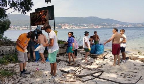 Limpeza da praia organizada pola APDR