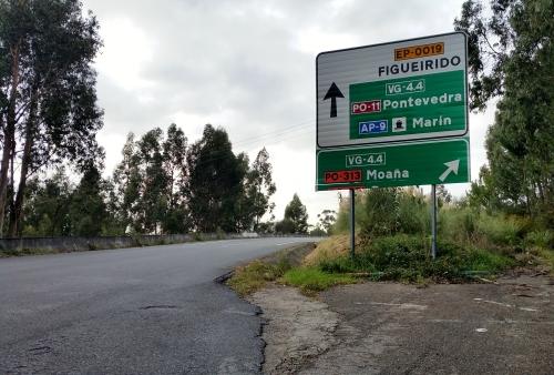 Sinal de acceso á Variante de Marín.