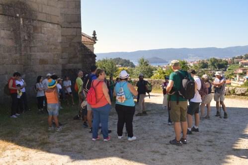 Participantes na ruta organizada pola Plataforma en Defensa dos Montes do Morrazo