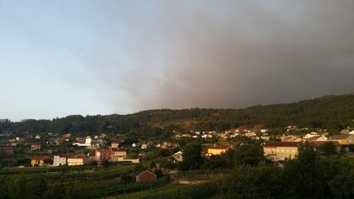 O fume dos incendios, sobre o Monte Pituco