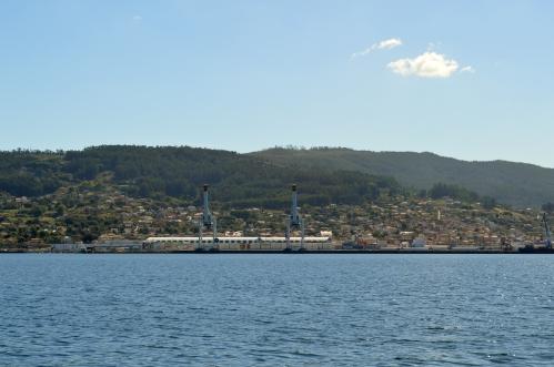 Vista do Monte Pituco dende o peirao de Tambo.