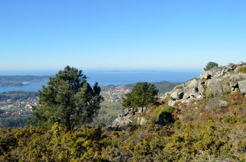 Ruta pola protección dos montes de Aldán.