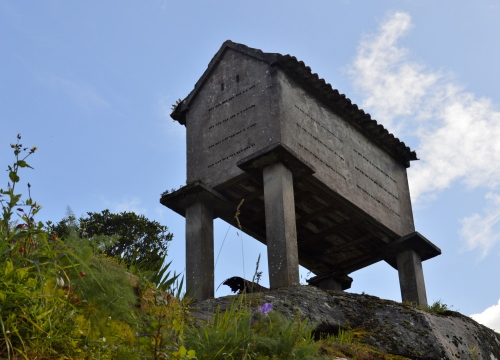 Preto do núcleo rural de Liméns
