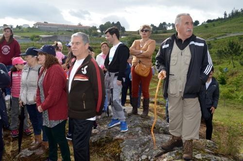 O presidente da Comunidade de Salcedo, Fernando Pintos, guía da andaina