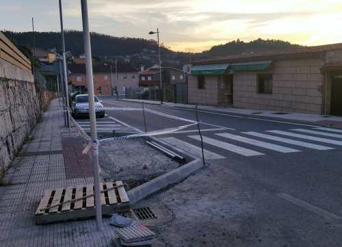 Instalación de lombos en San Xulián. Obra da Deputación.