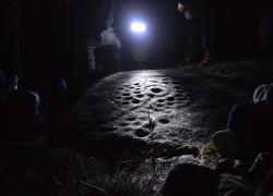 Ruta nocturna aos petroglifos de Amoedo, Pazos de Borbén.