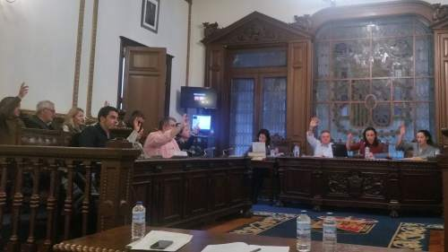 Moción da Marea sobre o campo de fútbol de San Xulián: votos en contra do PP
