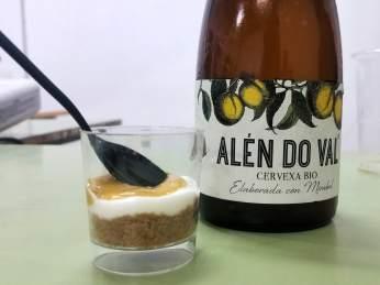 Degustación de mirabel no XX Encontro do Millo Corvo en Meiro, Bueu
