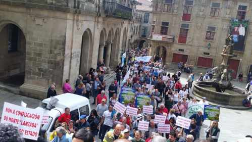 20180422_125557-minManifestación Por un Plano Forestal: Compostela, abril 2018