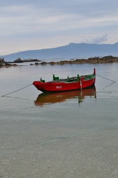 Areais d'A Illa, coas súas chalanas tradicionais