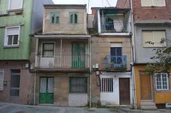 Antigas casas mariñeiras na Praza da Veiguiña