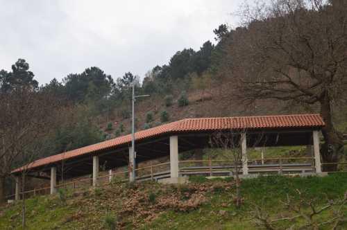Tellado sufragado pola Comunidade de Montes da Moreira. Custe: 9.000 €.